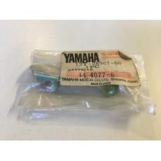 Yamaha cv80t riva 80 83-87 leg shield bracket 13t-28367-00