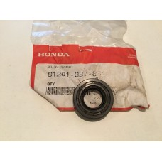 Honda oil seal 91201-gb7-831