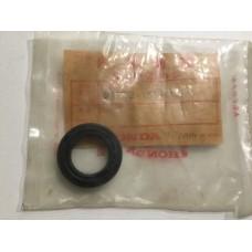 Honda nu50 oil seal 91202-155-004